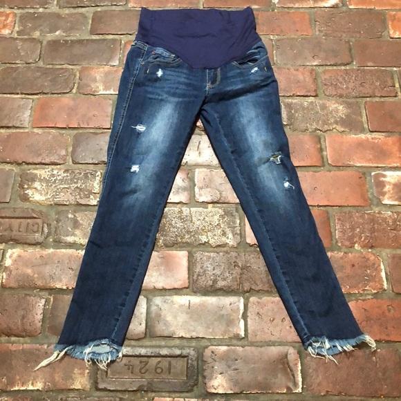 d634b9a6b8a7b Pink Blush Distressed Maternity Jeans Size 26. M_5c98e8ae035cf17c2b630d5b